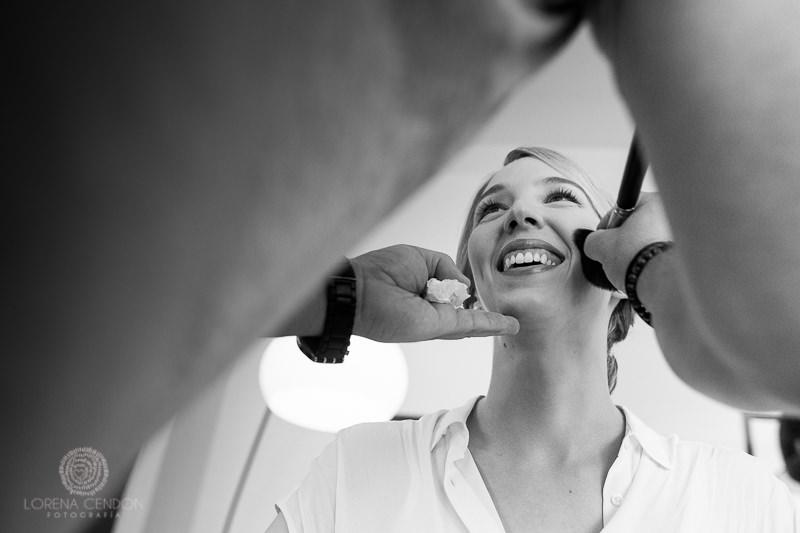 Novia en el maquillaje - Fotografía de boda