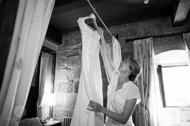 Novia con vestido - Fotografía de boda
