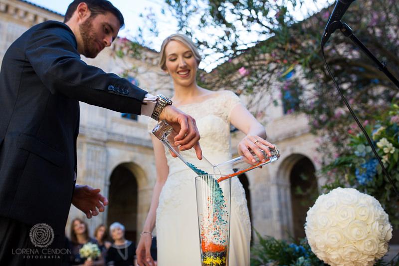 Novios en Ceremonia - Fotografía de boda