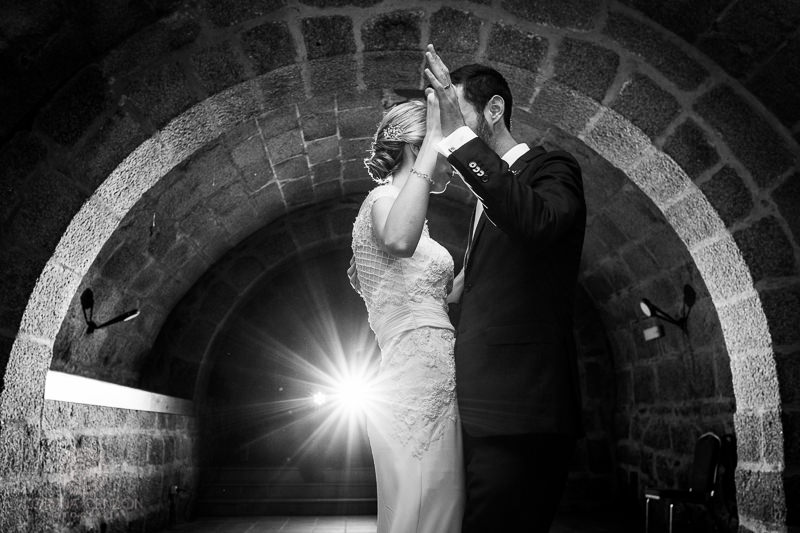 Novios bailando - Fotografia de boda