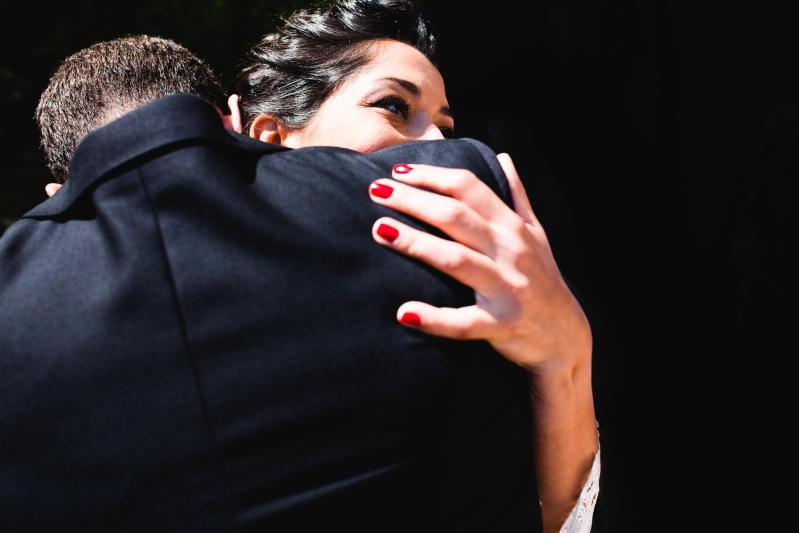 Abrazo - Fotografía de boda