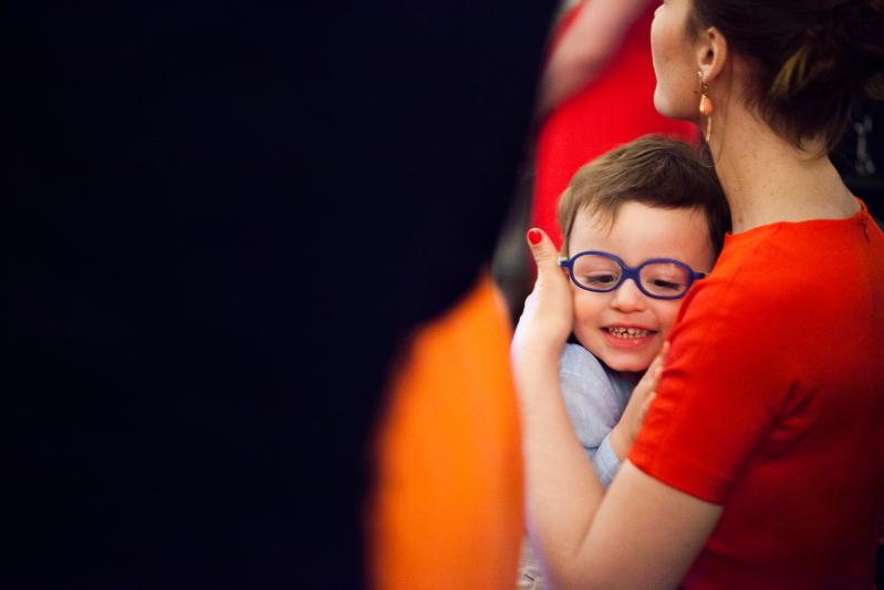 Niño con su madre - Fotografía de boda