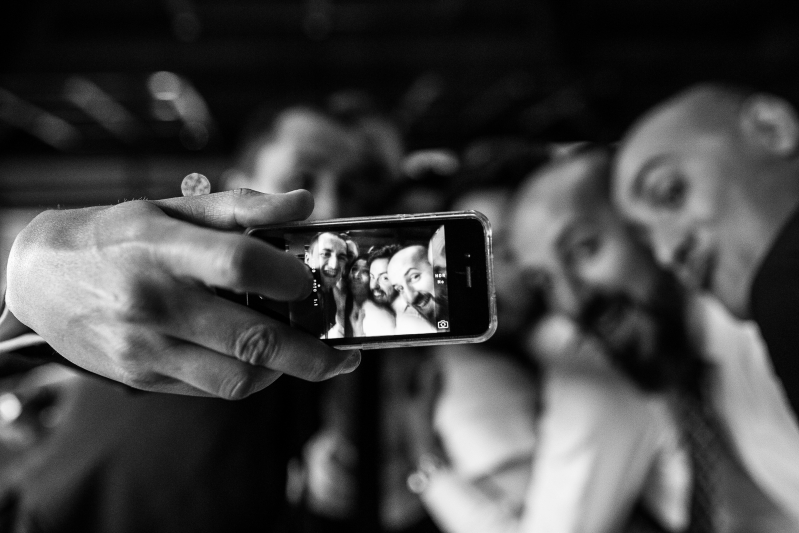 Selfie de invitados en una boda - Fotografía de boda