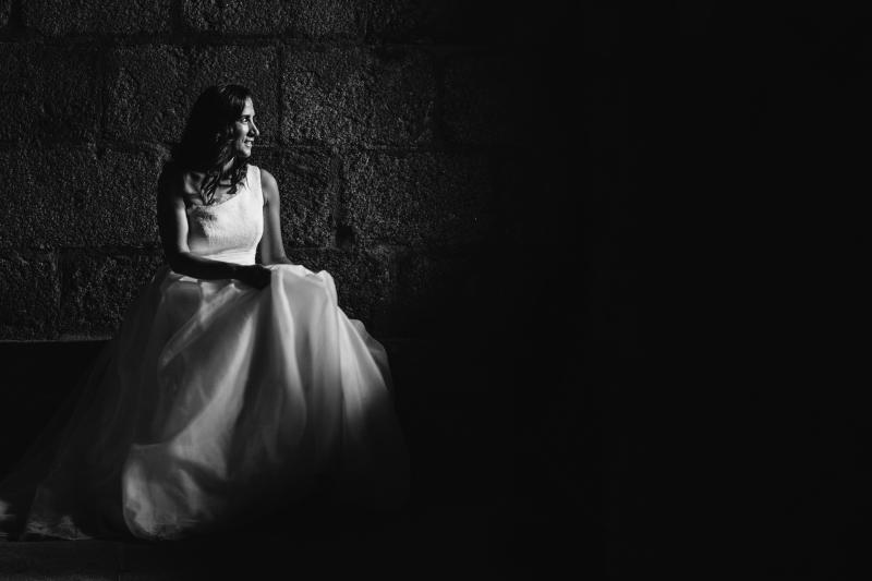 Novia en la Catedral de Tui- Fotografía de postboda