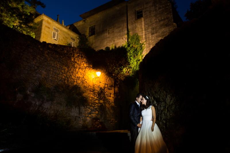 Fotografia nocturna con pareja de novios - Fotografía de boda