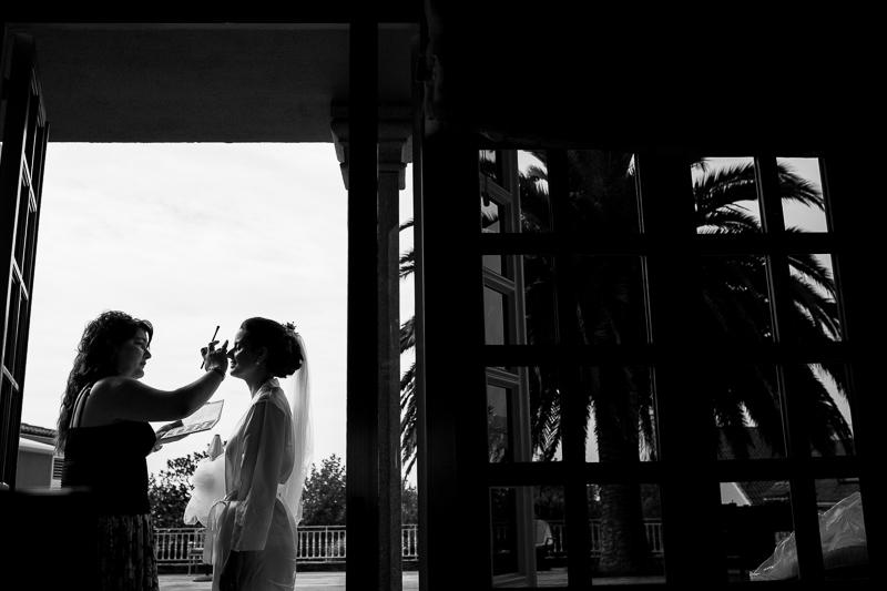 Fotografia de boda Santiago de Compostela Novia en los preparativos