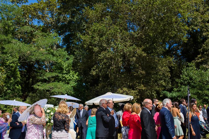 Fotografia de boda en el Pazo de Cores Coruña ceremonia civil al aire libre