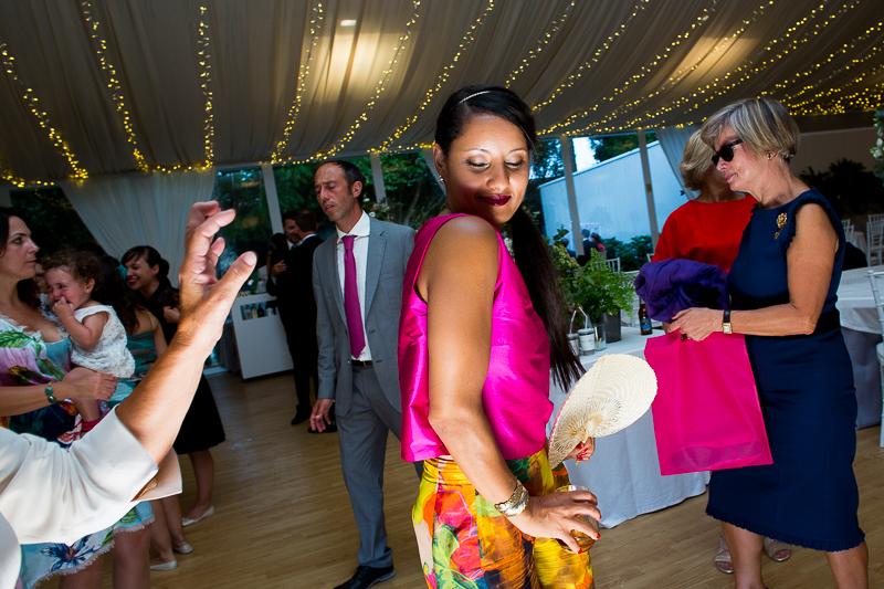 Fotografia de boda en el Pazo de Cores invitada en la fiesta