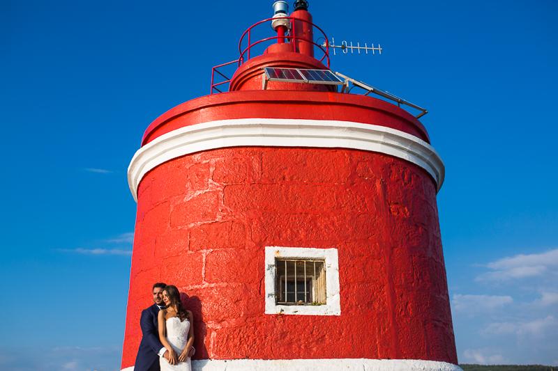 Postboda en Cabo Home sesion de pareja de novios en faro