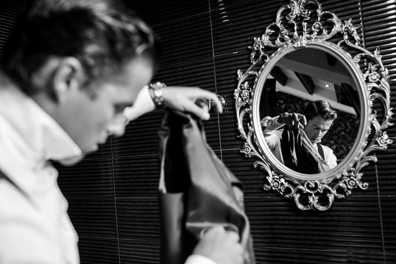 Fotografia de boda Pazo el Castriño novio en los preparativos el dia de su boda