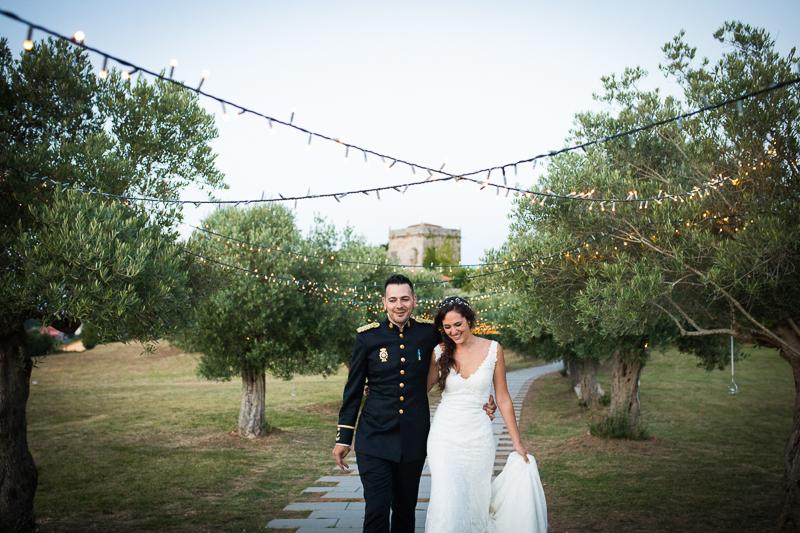 Fotografía de Boda Pazo Torre de Xunqueiras sesión de pareja de novios con decoración de luces led