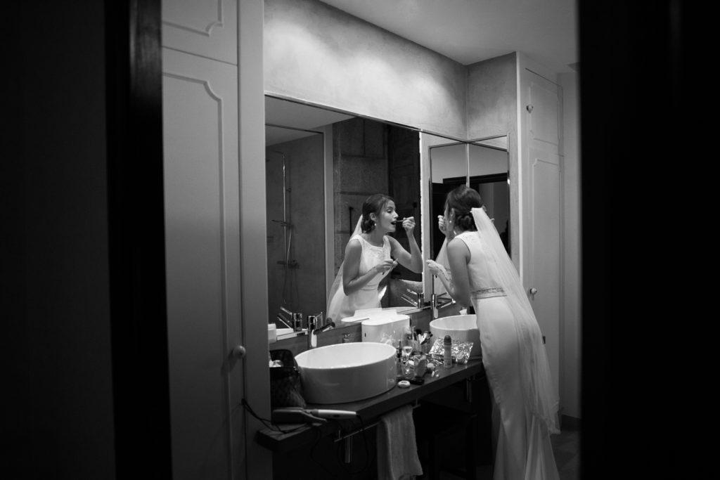 Fotografía de boda Pazo da Touza preparativos novia maquillaje