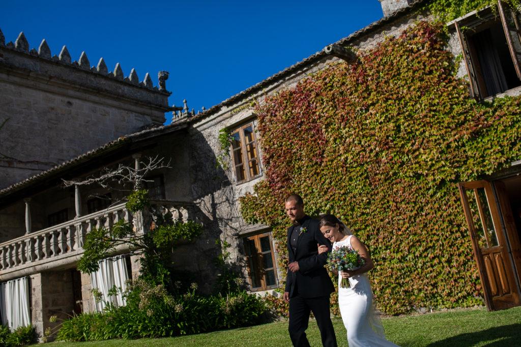 Fotografía de boda Pazo da Touza entrada de la novia en la ceremonia