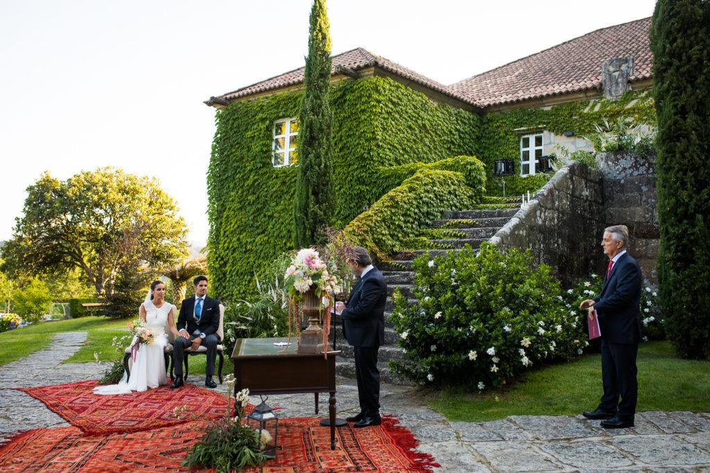 Fotografía de boda novios en la ceremonia