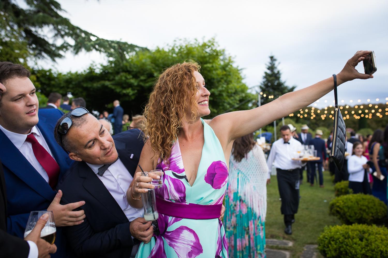 Fotografía de boda con invitados