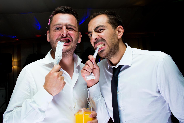 Fotografía de boda invitados en la fiesta