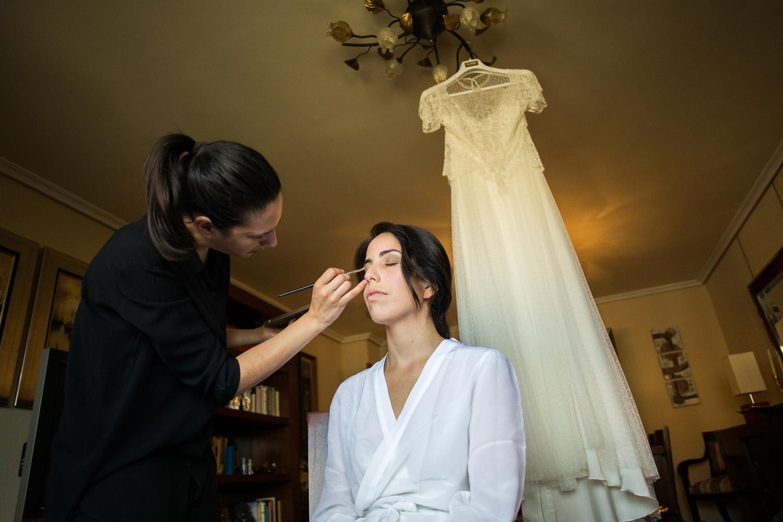 Fotografia de boda novia en el maquillaje