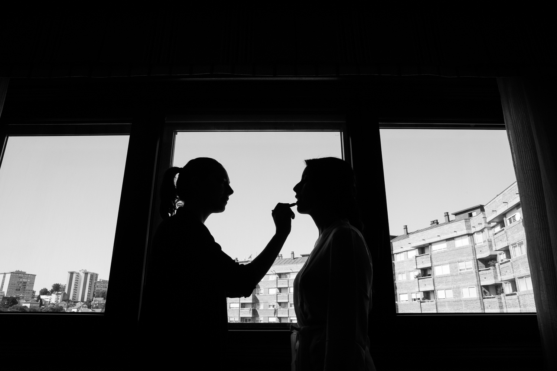 Fotografia de boda novia con maquilladora