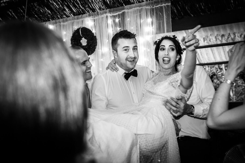 Fotografia de boda novia con invitados