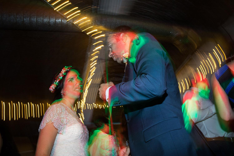 Fotografia de boda pareja de novios en el baile