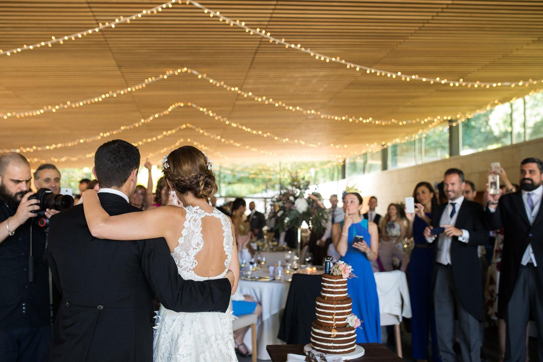 Fotografia de boda novios con los invitados