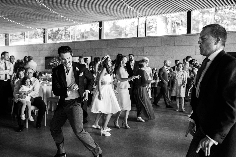 Fotografia de boda novio en el baile